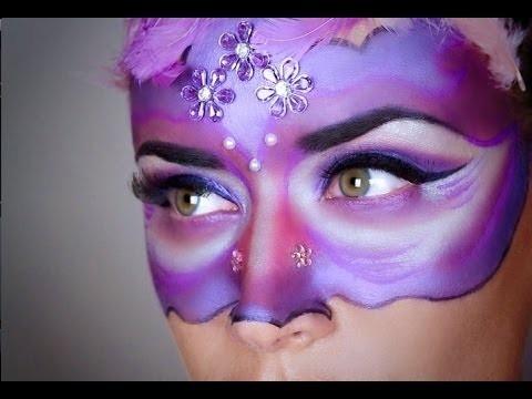 Trucco viso maschera di carnevale viola