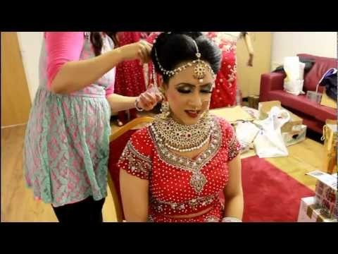 Look matrimonio indiano con trucco e acconciatura