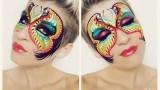 Maschera di carnevale colorata