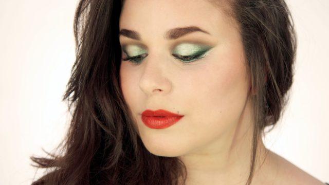 Trucco occhi verde acqua intenso per le sere d'estate